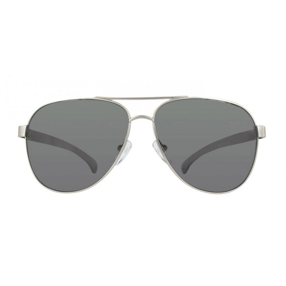 db1a459bb5 Estilo piloto clásico de Calvin Klein Jeans, en marco metálico doble  puente, color humo, con lentes oscuros en la tonalidad humo. Ideal para  hombres y ...